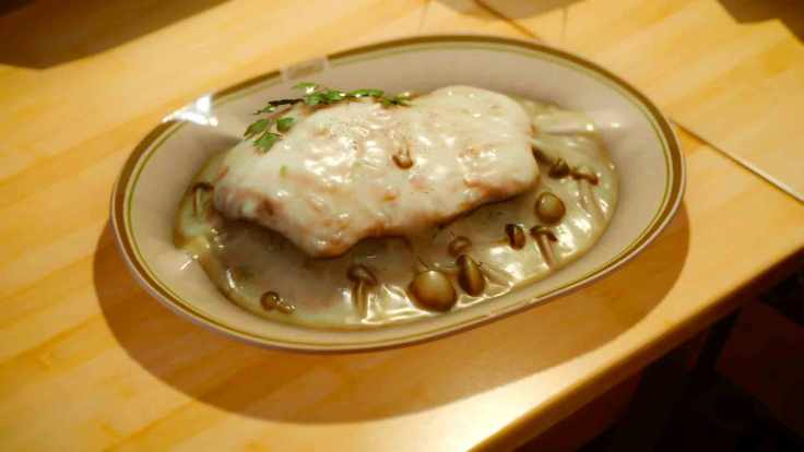 chicken-with-white-saucejpg-4855a0